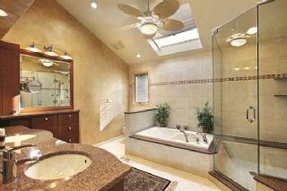 Acarkent Banyo Tadilatı Yenileme Şirketi Küvet Duş Jakuzi Lavabo Tadilat Değişim